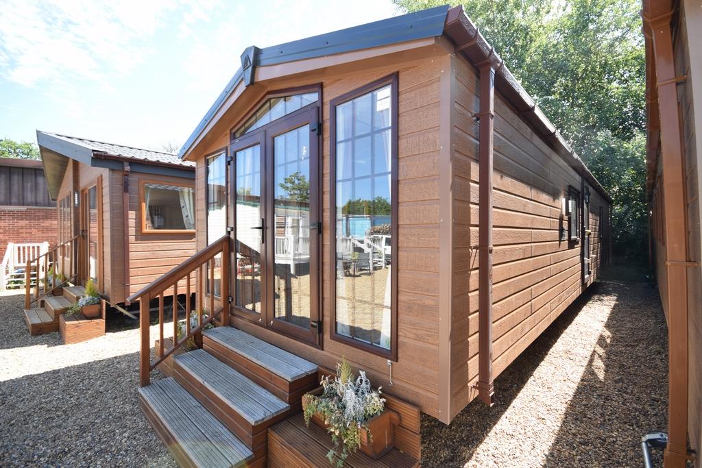 New Sunrise Lodge 40x14