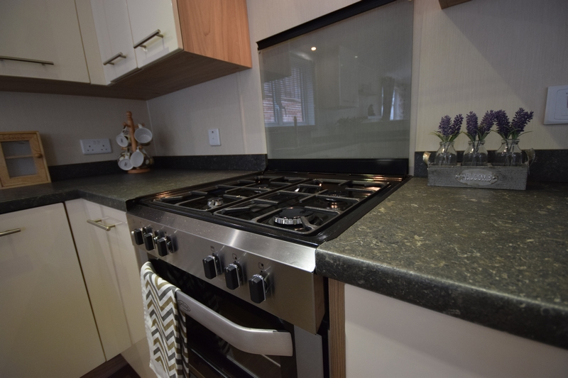 Sunrise Lodge II Mobile Home Annexe Oven