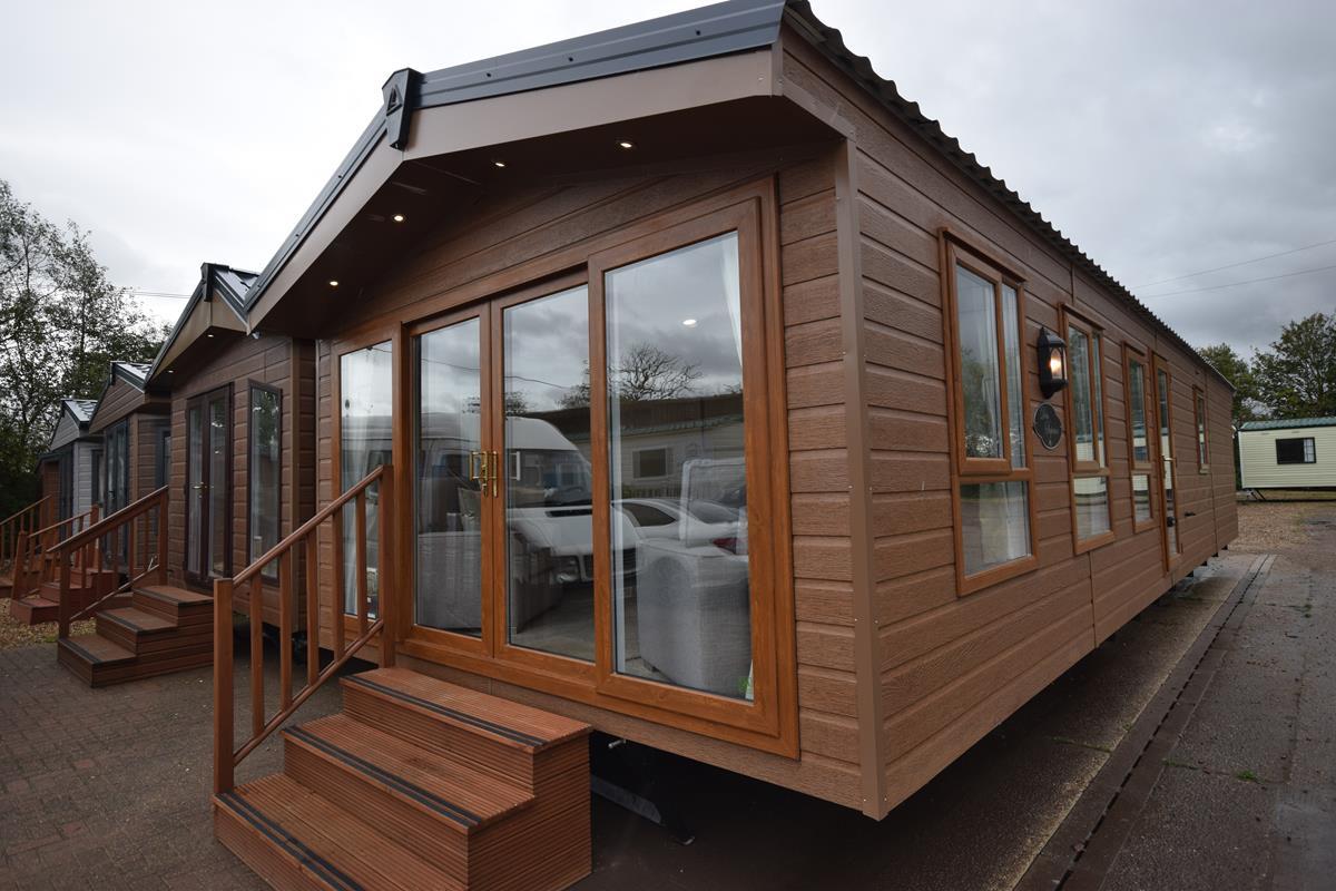 Sunrise Lodge Superior Luxury Mobile Log Cabin